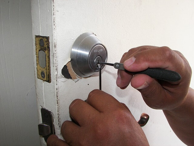 Are Private Security Firms a Good Plan for Homes and Businesses?